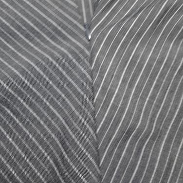 Gestreift grau-weiss