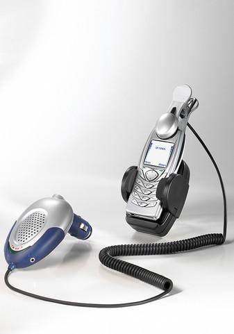 Car+Kit+%2B+Nokia+6100+c%C3%B3pia.jpg