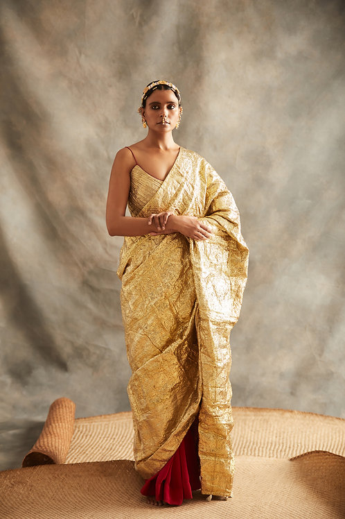 Red Saree With Gold Palla