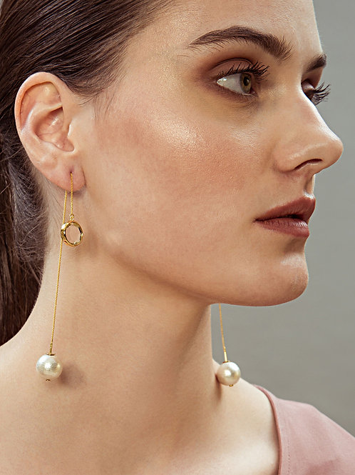 Gold Ayaana Mirror And Pearl Earrings