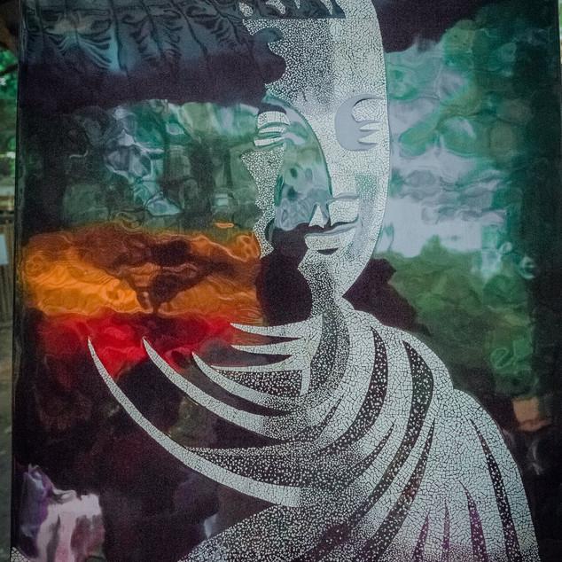 ဘဲဥခွံနဲ့ ဆွဲသားထားတဲ့ ယွန်းပန်းချီကားတစ်ချပ်