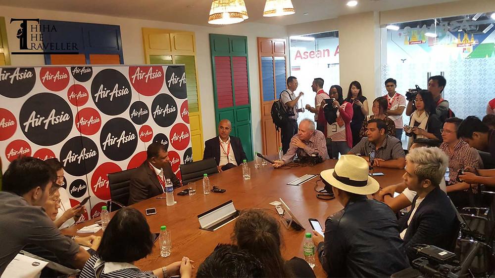 Air Asia Group CEO Tan Sri Tony Fernandes နဲ႔ ႏုိင္ငံအလိုက္ အင္တာဗ်ဴးအစီအစဥ္
