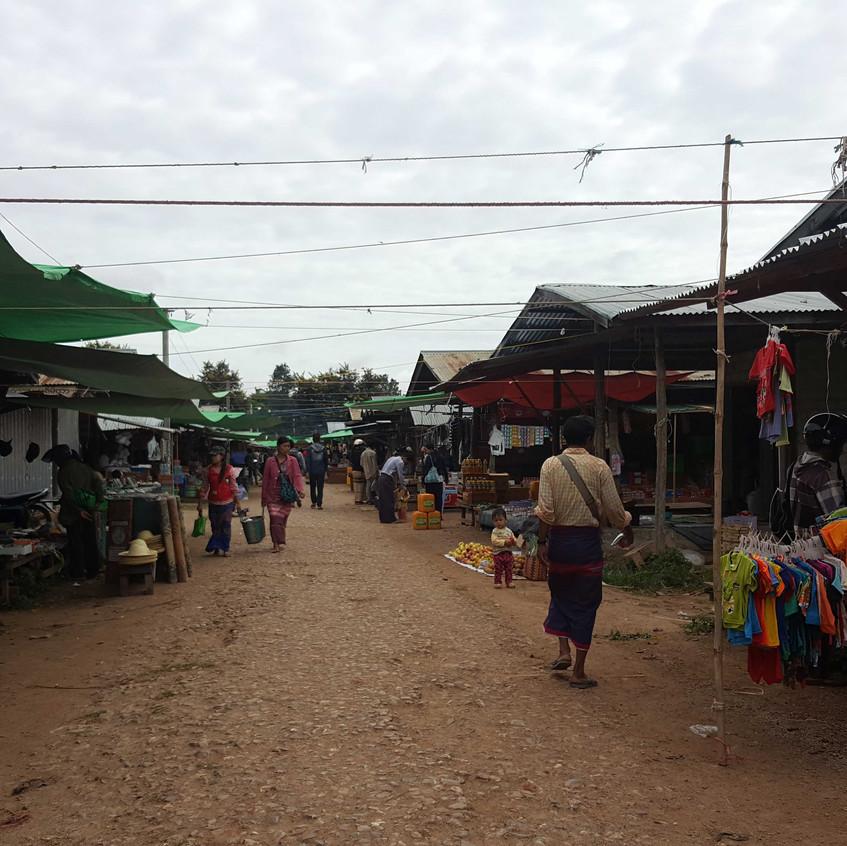 Demawso Bazaar
