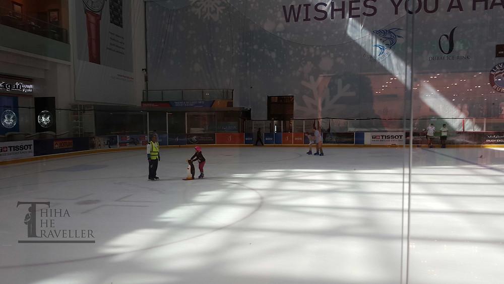 ေရခဲျပင္စကိတ္စီး၊ ေဟာကီကစားတာေတြလုပ္ႏုိင္တဲ႔ Dubai Ice Rink