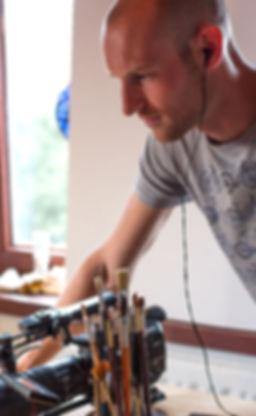 Workshop video, opleiding videobewerking, workshop filmpjes, workshop videobewerking, workshop film, filmen met smartphone, smartphone video workshop, workshop vloggen, filmen met smartphone, Koen Van de Voorde, bedrijfsfilm, promofilm, filmpjes, Facebook, YouTube, reportage, Mustang, Mustang Producties, , Zedelgem, Brugge, Koen Vandevoorde, West-Vlaanderen