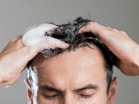 A importância de lavar o cabelo com o shampoo certo