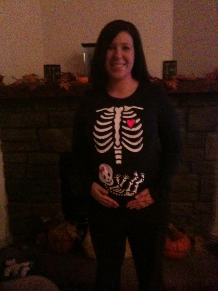 Picture of blog post writer, Alana, with Pregnant Belly