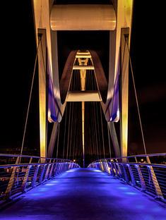 Infinity Bridge Symetry