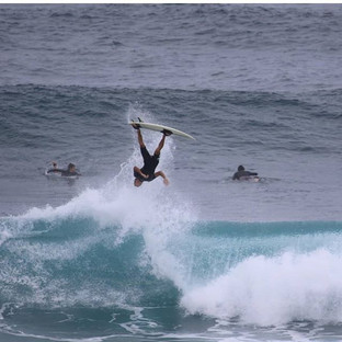 Flipping out Friday!! 😁 @kelsonlau_ 》》5