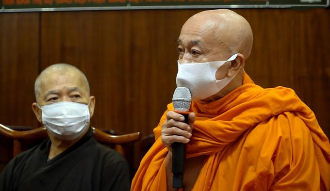 Hòa thượng Thích Thiện Chiếu nhận lỗi và bày tỏ sám hối tại buổi họp |JP88