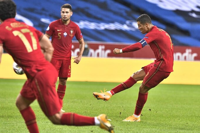 Pha sút phạt thành bàn của Ronaldo |VUA-THE-THAO