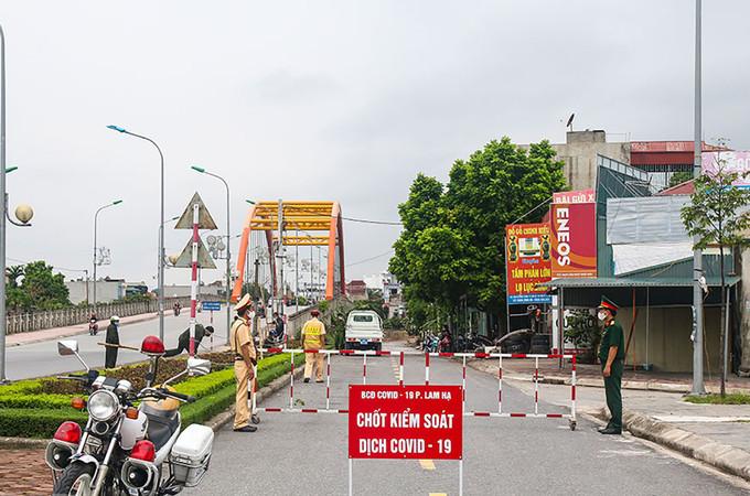 Một chốt kiểm soát dịch Covid-19 ở TP Phủ Lý, Hà Nam |VUA-THE-THAO