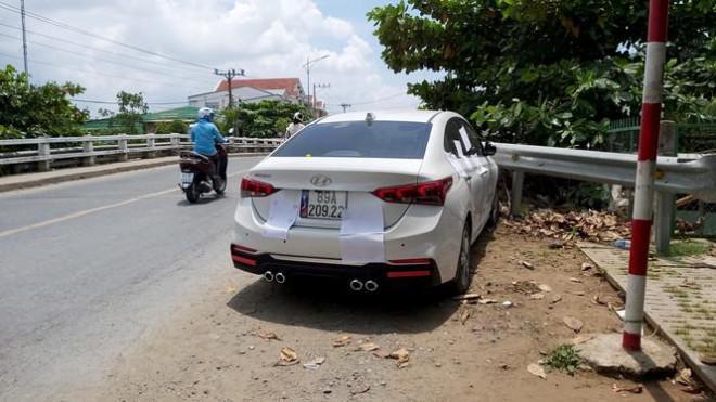 Xe ô tô gây tai nạn trên đường. |VUA-THE-THAO