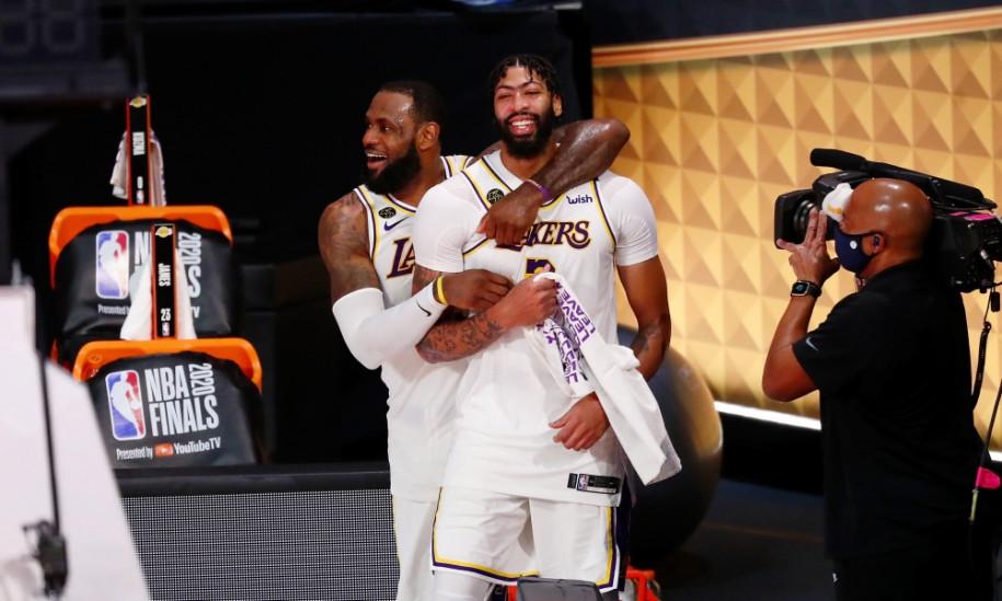 LeBron James thắng tuyệt đối trước đàn em Anthony Davis |VUA-THE-THAO