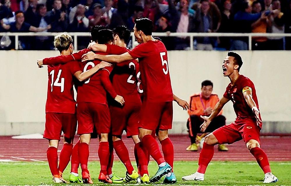 Việt Nam không đá trận tính điểm FIFA nào trong năm 2020, nhưng vẫn lên một bậc |VUA-THE-THAO