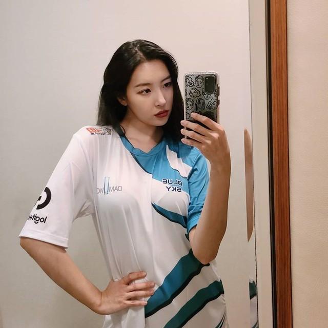 Nữ ca sĩ của nhóm Wonder Girls - Summi cũng là một fan cứng của ShowMaker |VUA-THE-THAO