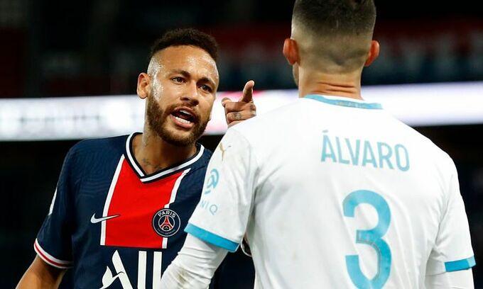 Neymar đánh Alvaro Gonzalez vì bị phân biệt chủng tộc |VUA-THE-THAO