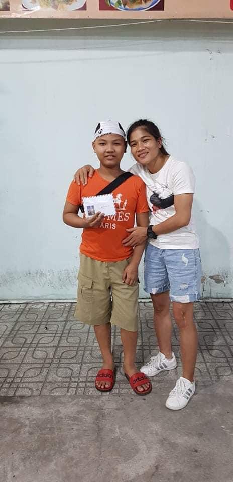 Nguyễn Thị Thanh Trúc là người đã kêu gọi hỗ trợ cho người đồng nghiệp nhỏ tuổi |VUA-THE-THAO