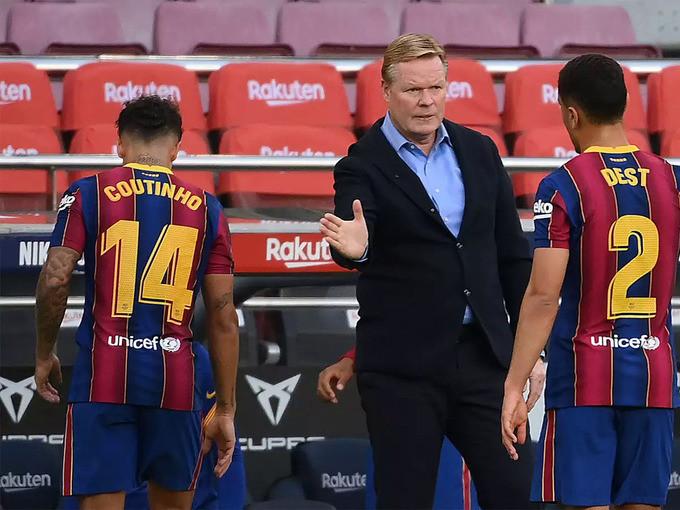 HLV Koeman động viên các cầu thủ Barca sau trận thua Real tối 24/10  VUA-THE-THAO