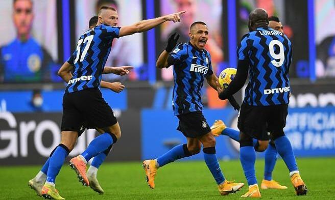 Lukaku (số 9) ghi chín bàn, kiến tạo hai bàn trong chín trận cho Inter mùa này  JP88