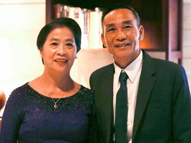 Bố mẹ Công Phượng có mặt tại buổi lễ |VUA-THE-THAO