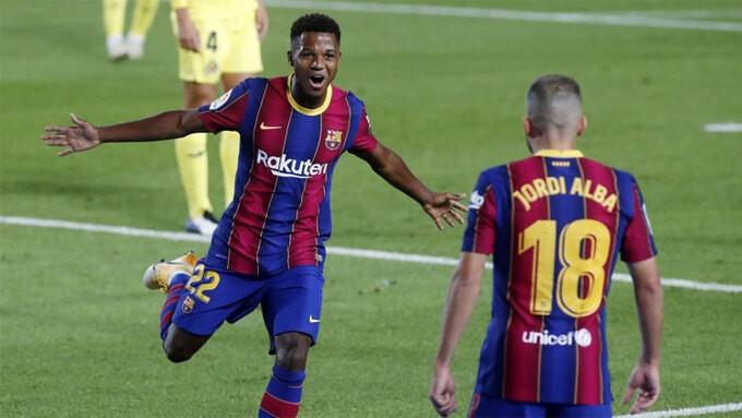 Trong lối chơi nhanh và trực diện của Barca, Ansu Fati (trái) tỏa sáng với một cú đúp |VUA-THE-THAO