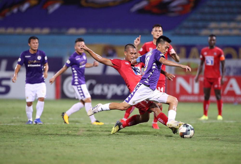 CLB Hà Nội (áo xanh) sẽ có trận đấu dễ dàng trên sân nhà? |VUA-THE-THAO