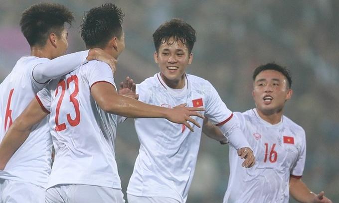 Niềm vui của U22 Việt Nam khi chọc thủng lưới đàn anh |VNGAMES