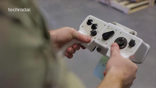 Bộ điều khiển tác xạ của xe tăng Challenger II.  ST666-VN-GAMES
