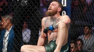 """""""Gã điên"""" McGregor từng là thợ sửa ống nước, lần đầu khóc vì thua đau"""
