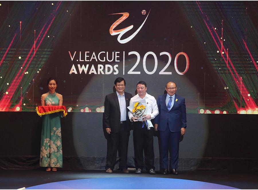 HLV xuất sắc nhất: Trương Việt Hoàng |VUA-THE-THAO