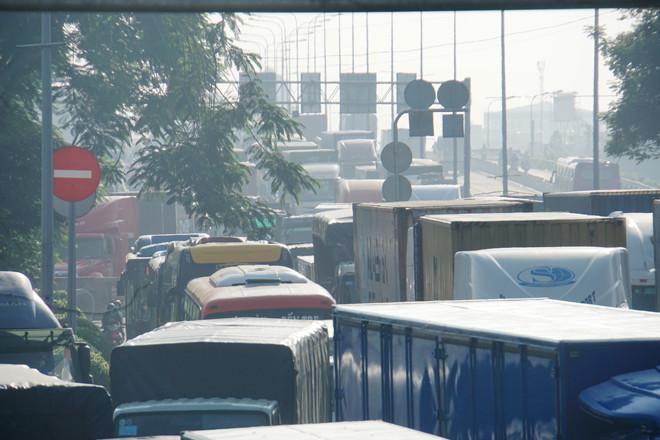 Vụ tai nạn khiến giao thông qua khu vực bị ùn tắc nghiêm trọng  VUA-THE-THAO