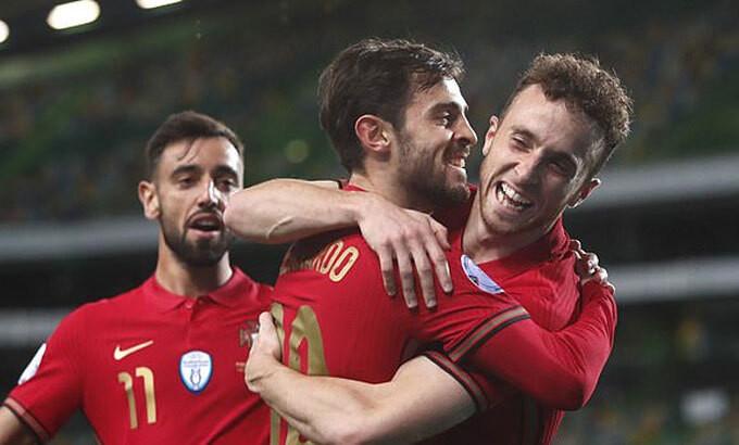Bồ Đào Nha củng cố vị trí dẫn đầu bảng bằng trận thắng đậm |JP88