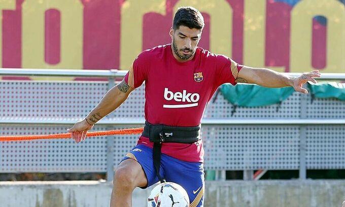 Suarez phải tập riêng để chờ ngày ra đi  VUA-THE-THAO