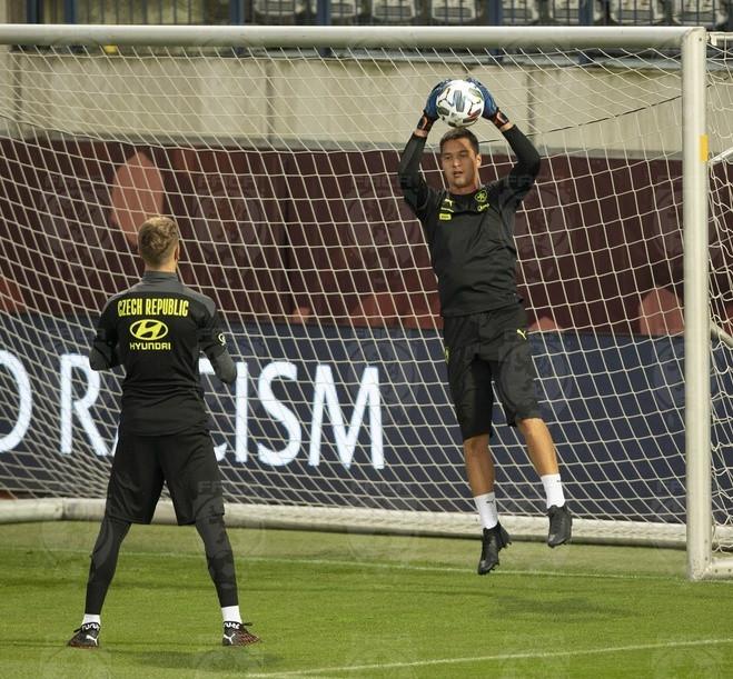 Filip Nguyễn trên sân tập của đội tuyển Czech. |JP88