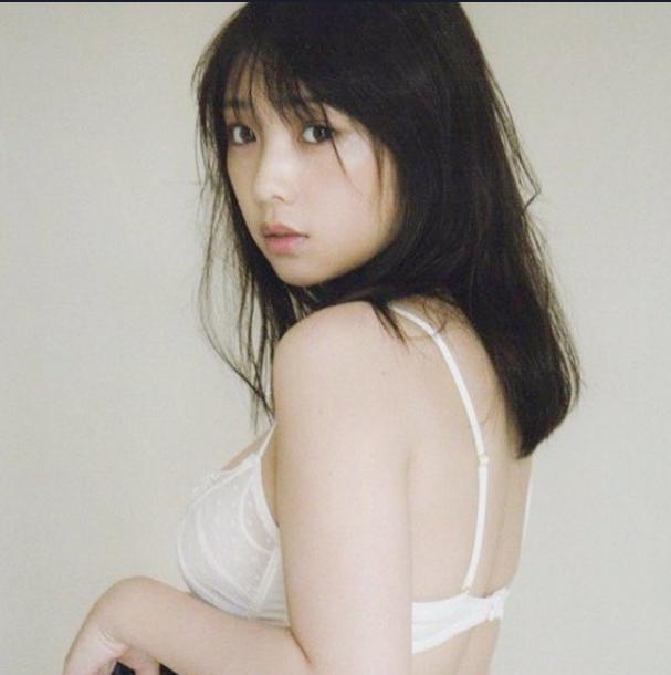 Lợi thế ngoại hình giúp Yoda Yuuki rất phù hợp với những lời mời chụp hình nội y, áo tắm.  ST666-VN-GAMES