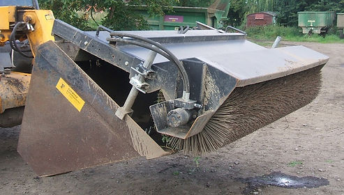 Bucket brush for hire