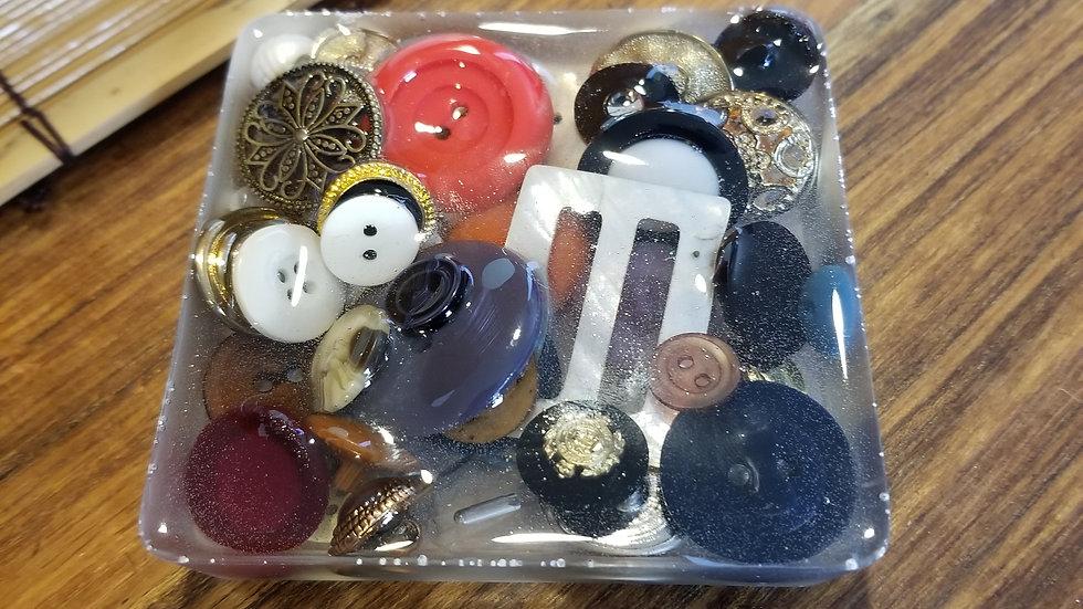 Antique Button Soap Dish ACCBUTSD4