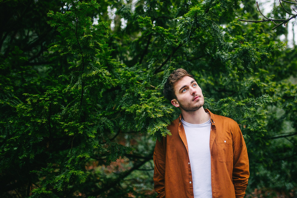A photo of rising Sheffield musician Tom Stuart
