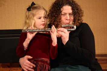 W lekcji razem z dzieckiem bierze udział mama lub tata