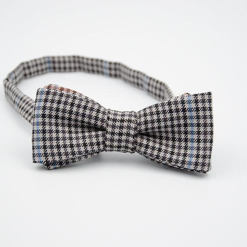 Fliege für Herren Anzug/Hemd.Vorgebunden. Ca. 6x12cm.Schwarz. Kariet