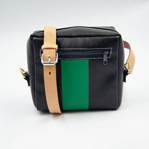 Small leather shoulder bag cir.18x15x7cm.Black