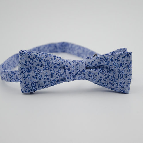 Bowtie for men approx. 4x12cm. Adjustable and pre-tied. Blue + Paisley