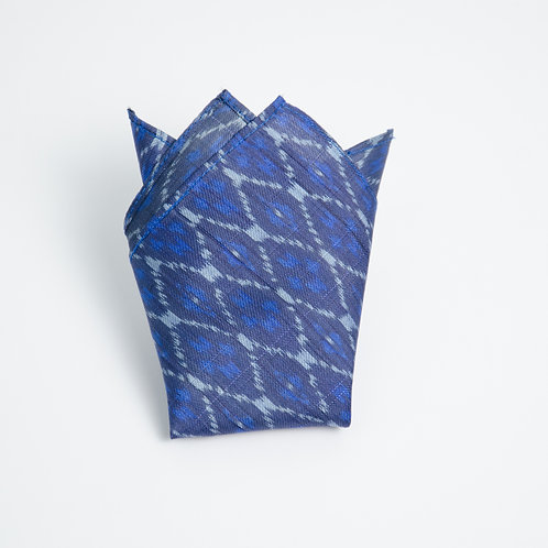 Pocket square made of ikat silk cir. 28x28cm. Handmade in Berlin. Blue