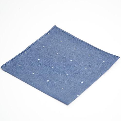 Gepunktetes Einstecktuch Hell Blau. Ca. 28 x28cm.