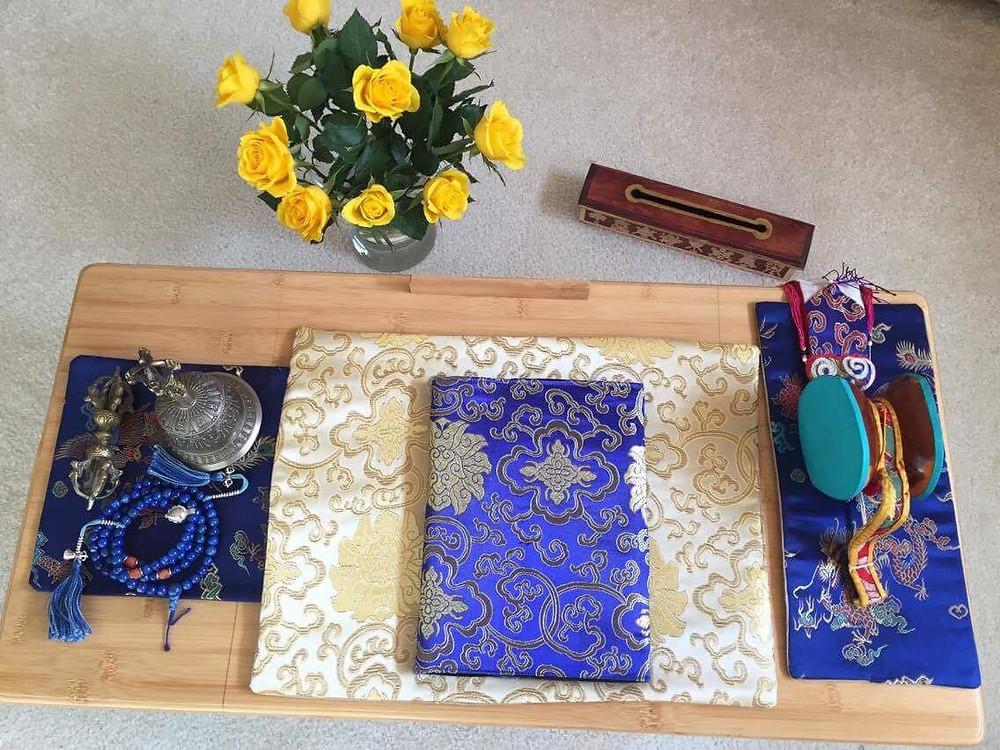 Tibetische Seide Decken auf Kundenwunsch angefertigt. Handarbeit aus Berlin. Sangha Friend.