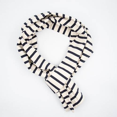 Jersey scarf cir 20x200cm. Double side. Stretchable and soft cotton. Suitable for mild weather and summer. Stripe White