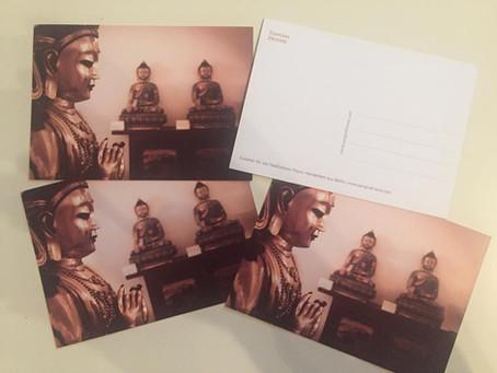 Postkarte: Wir haben unsere eigene Postkarte erstellt und jede Ihrer Bestellungen, geben wir Ihnen e