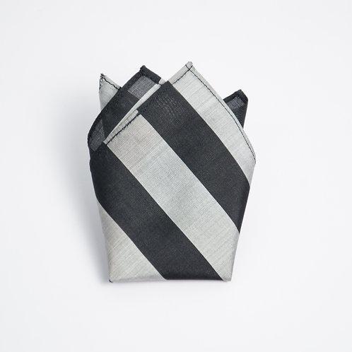 Seide Einstecktuch Streifen. Schwarz + Silber. Ca. 28 x28cm.