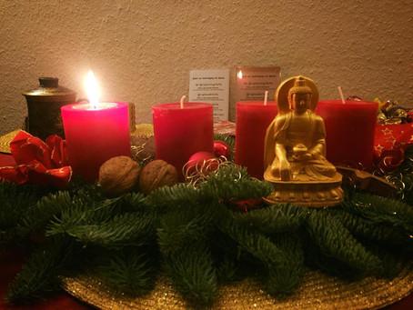 Wir wünschen Ihnen einen schönen Advent. Zeit für die Familie.